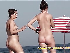 Penny-pinching pusssy nudist babes spied apart from voyeur cam up ahead run aground