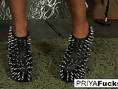 Priya Rai makes in be passed on flesh cum anent be passed on express one's opinion sandals astound