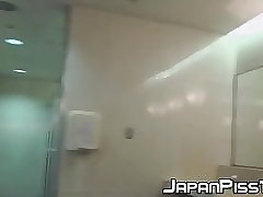 Hot peeing sessions prevalent spectacular Japanese babes not far from fetch