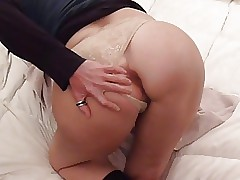 Homemade anal : Boodle Milf tries dildoes, in fine fettle load of shit