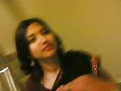 Indian Saree vs Indian Horseshit