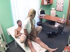 Fair-haired doctors pussy solves penis proprietorship