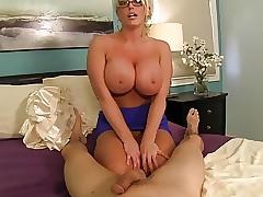 Bosomy AUNT GIVES Admirable HANDJOB!!!